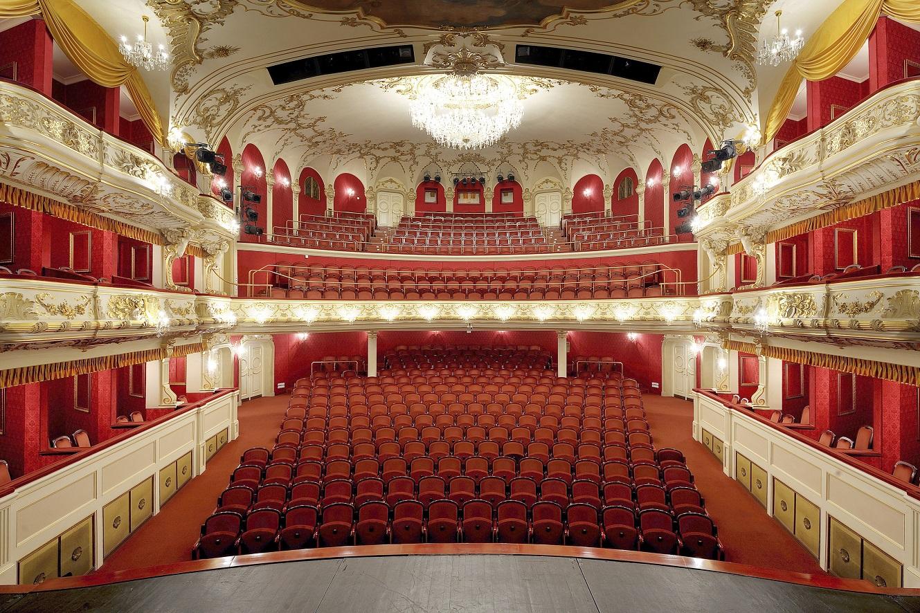Divadlo Antonína Dvořáka - hlediště